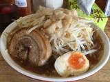 サンパチラーメン・特製ラーメン・脂野菜マシ700円