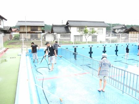 プール掃除①1