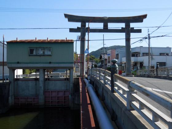 和歌山電鐵沿線の竈山神社01
