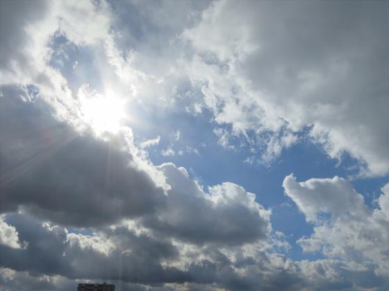 困った時は空の写真02