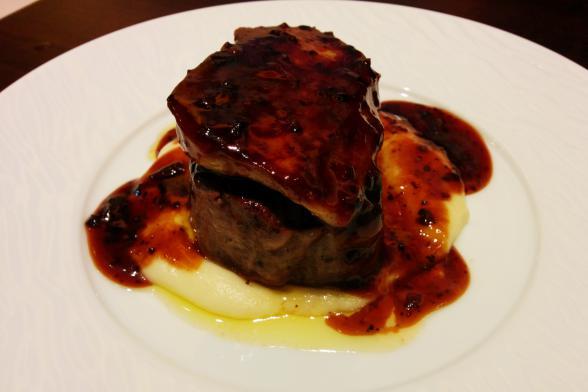 牛フィレ肉のフォアグラロッシーニ1