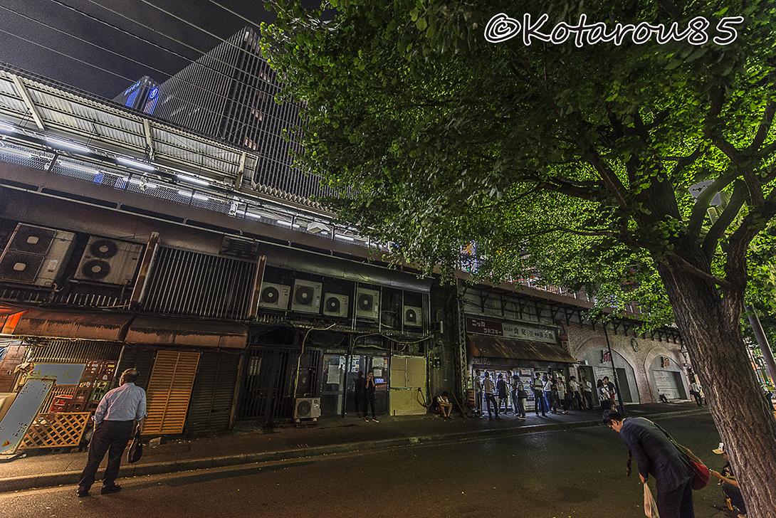 有楽町高架下の立ち呑みコーナー 20160817
