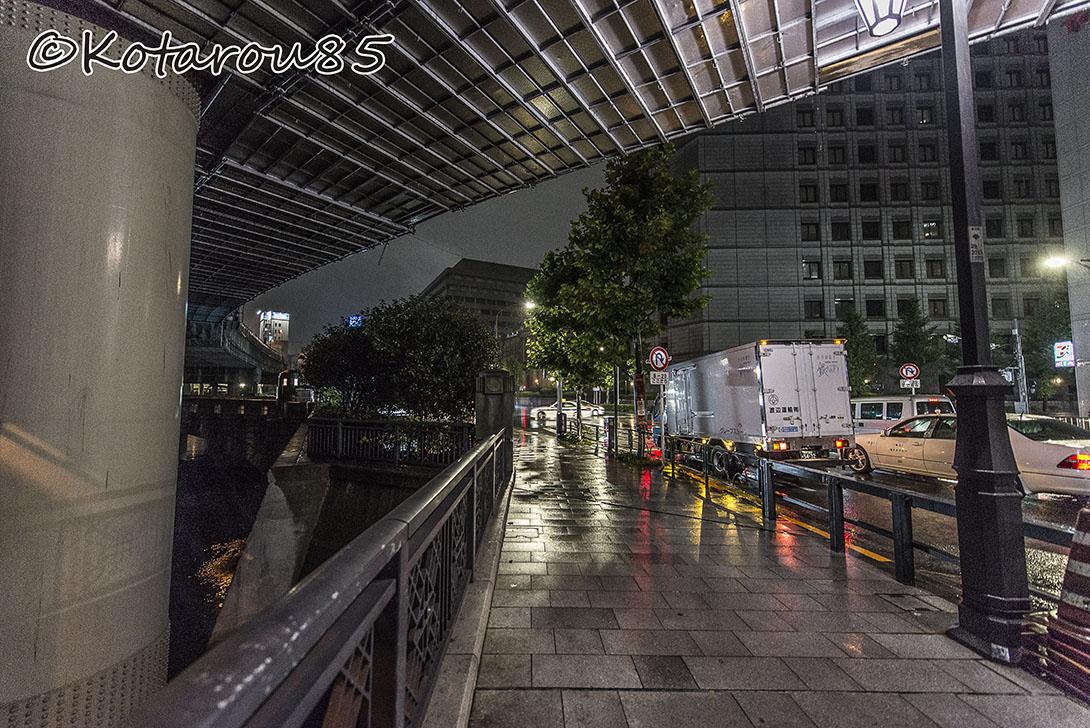 雨の外堀通り1 20160921