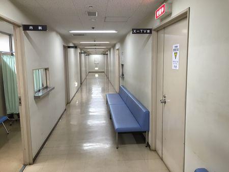 相撲診療所の廊下