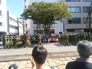平成二十八年福井自衛隊市中パレード2