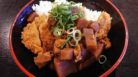 刈谷PAどてかつ丼 (1)