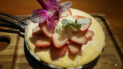 tara練乳いちごのパンケーキ (3)