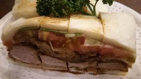 ニューアストリアカツサンド野菜 (2)