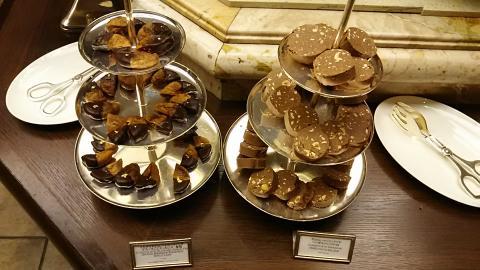 チョコレートテンプテーションビュッフェ台 (4)