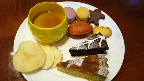 琵琶湖ホテルハロウィン皿 (10)