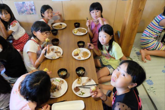 lunch0_R.jpg