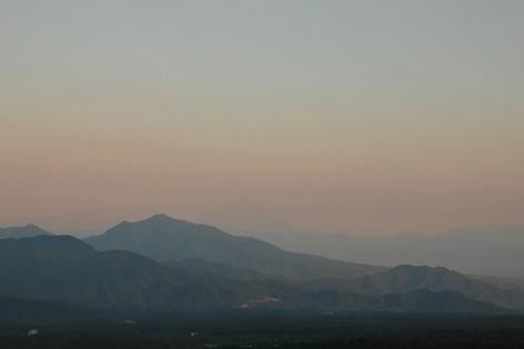 遠くに富士山が見えるよ
