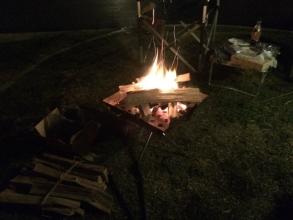 【必見キャンプ生活】 焚火も花見も楽しめるオートキャンプ場「ヒルトップオートキャンプフィールド」♪