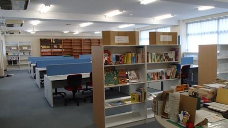 本庄第一中学校 図書室
