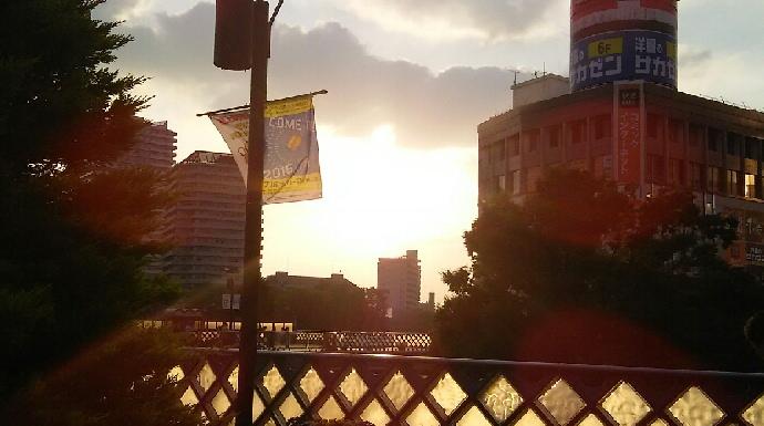 川口駅前の夕暮れ