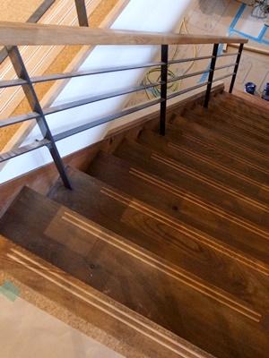 Ino階段ノンスリップ溝彫り1604