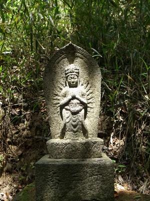 水口大岡山石仏1605