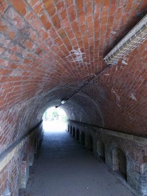 蹴上トンネルねじりまんぽ②1607