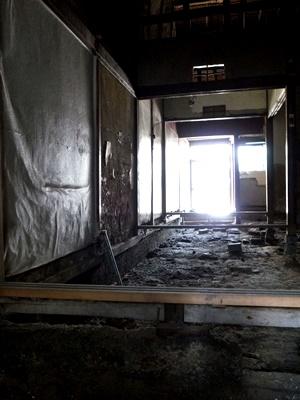 文園町の長屋内部解体②1609