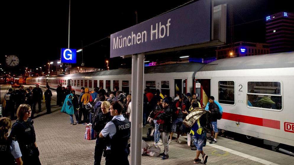fluechtlinge-ankunft-muenchen-hauptbahnhof.jpg