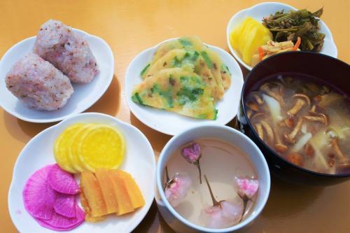 古代桜まつりふるまいお料理(28.4.16)