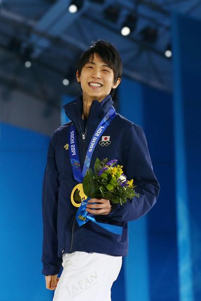 Yuzuru_Hanyu_Medal_Ceremony_Winter_Olympics_GPjGTLiAlZwl.jpg