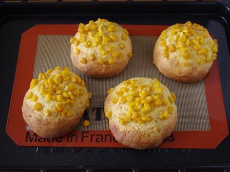 ホットケーキミックスで作るコーンマヨバターのおかずパン07
