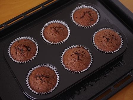 ホットケーキミックスで作るダブルチョコレートのカップケーキ04