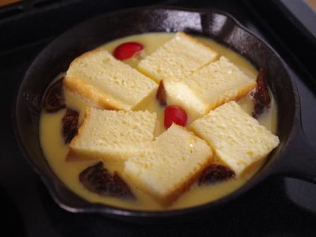 食パンでつくるスキレットのクイーンズプディング04