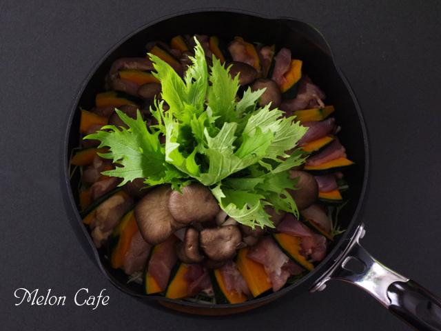 水菜と鶏の植木鉢風フォトジェニック鍋