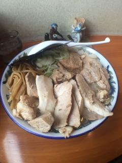 あまけんチャーシュー麺