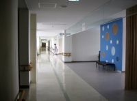 コミュニティセンターの廊下