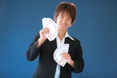 Entertainer MIKIYA,エンターテイナーミキヤ,関西,大阪,マジック教室,手品教室,コンタクトジャグリング教室,水晶玉パフォーマンス,初心者歓迎,未経験歓迎