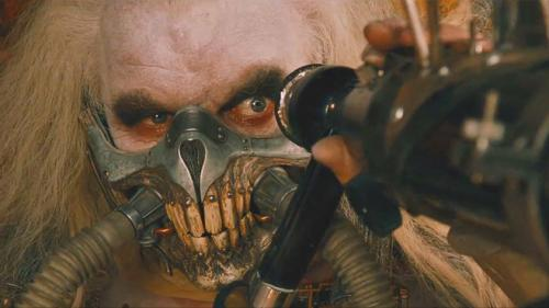 Hugh-Keays-ByrneImmortan-Joe-Mad-Max-Fury-Road_convert_20160629004540.jpg