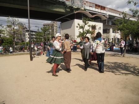 3 正式なフォーク・ダンス
