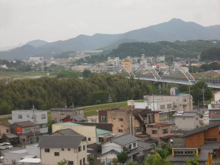 5 由良川をはさんで大江山を望む
