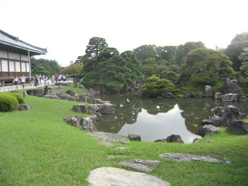 F 二の丸庭園