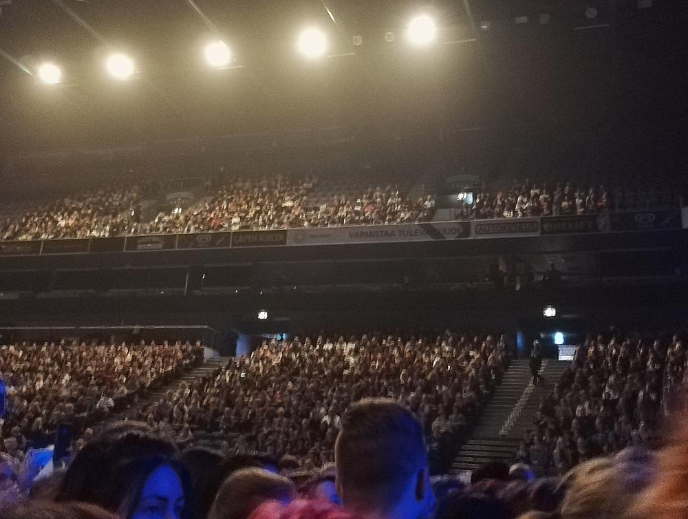 Adam Lambert Hartwall Areena 観客 2016