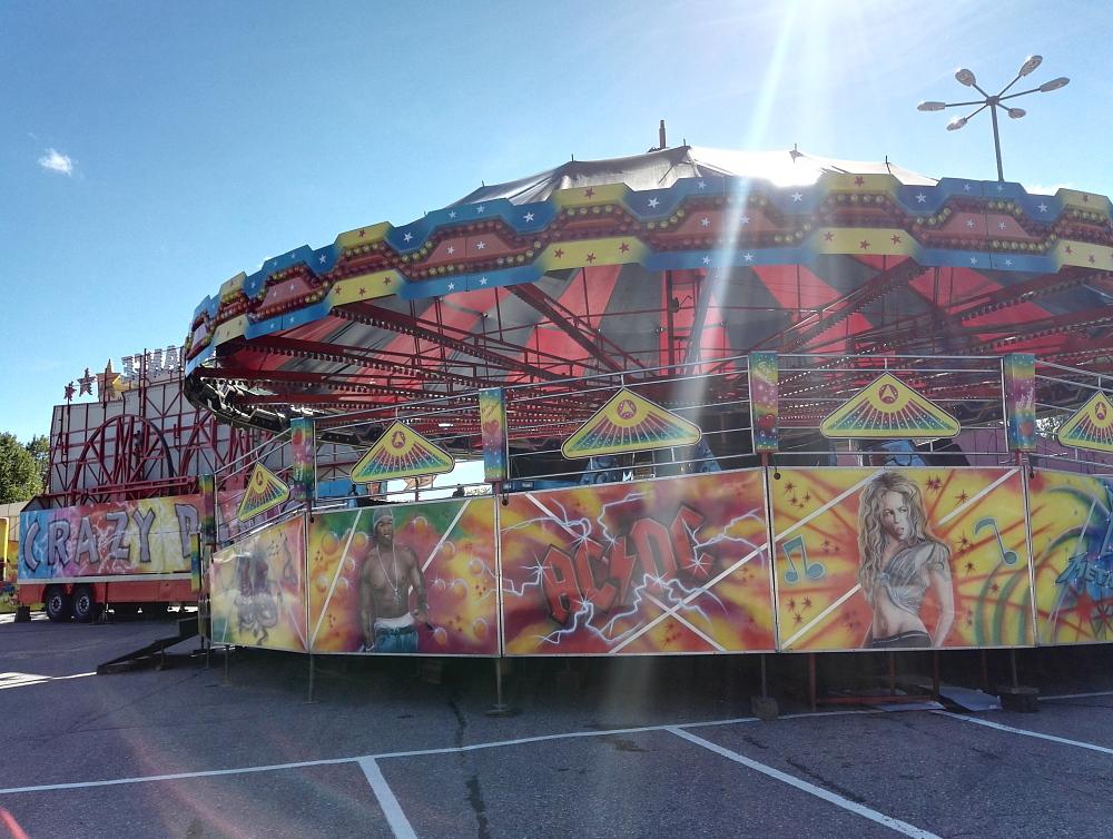 フィンランド 移動遊園地Tivoli