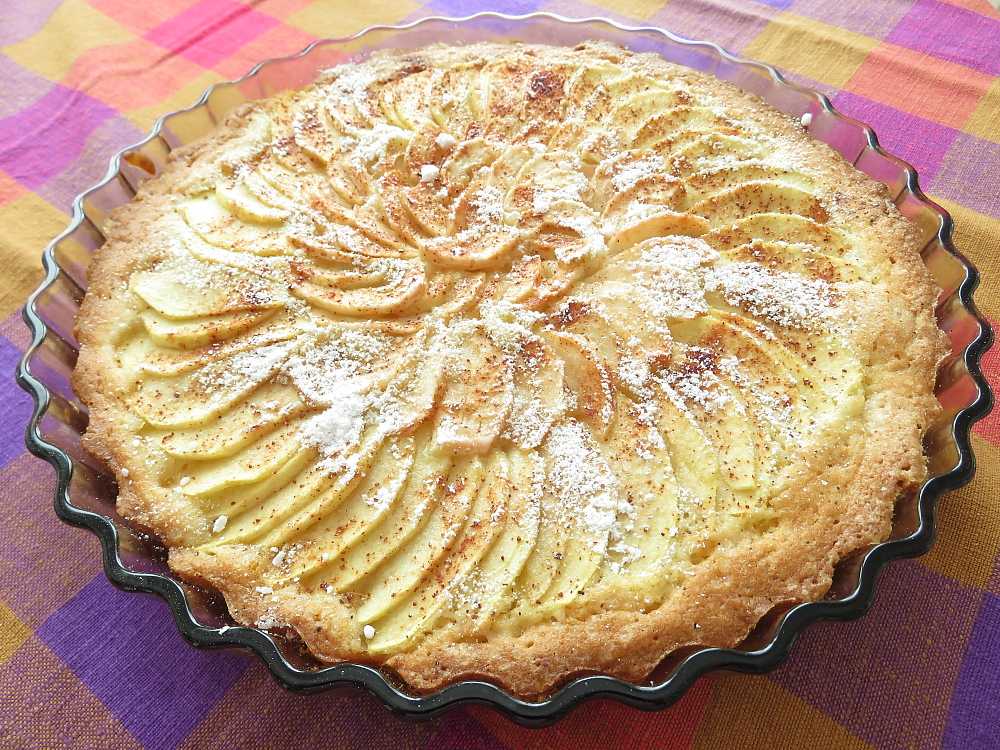 フィンランド リンゴケーキ Omenapiirakka Apple cake