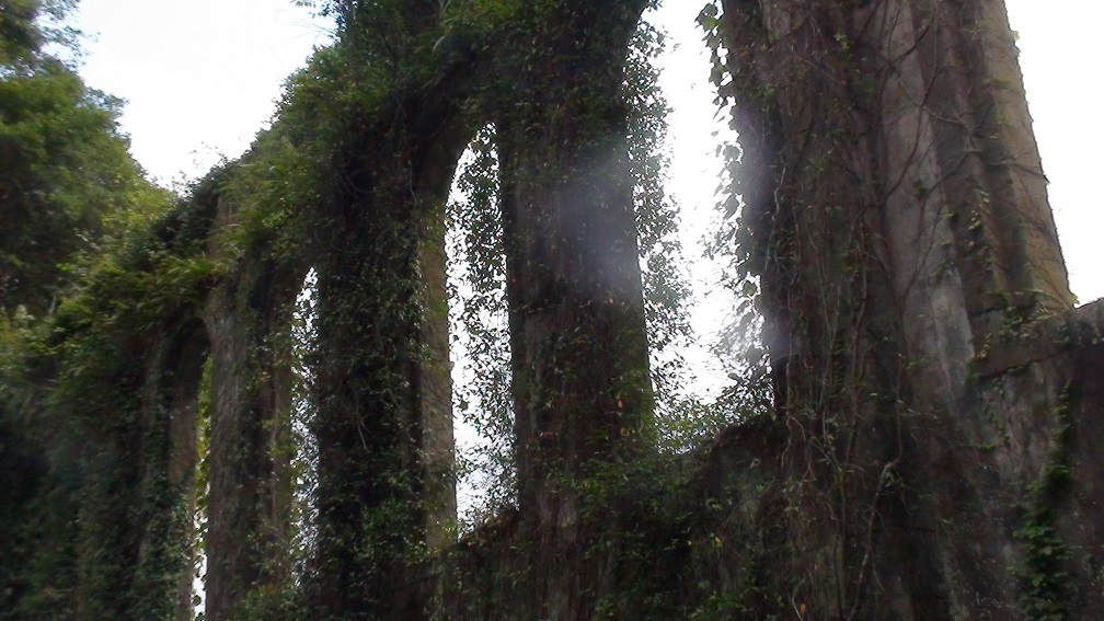 沈堕の滝 ローマ遺跡