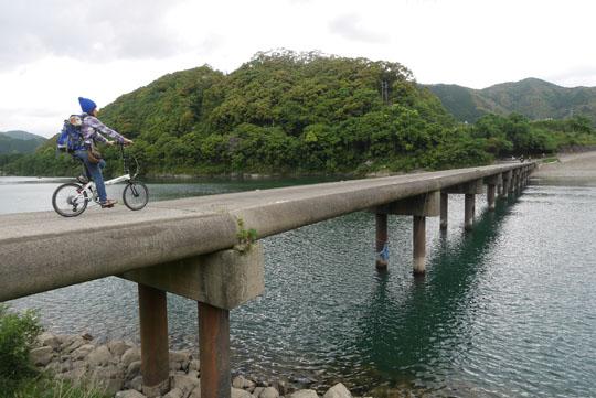 224三里の沈下橋