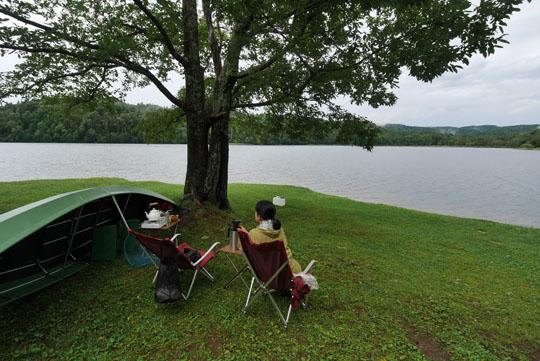 204湖畔で朝食