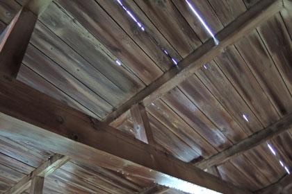 221雨漏りの天井