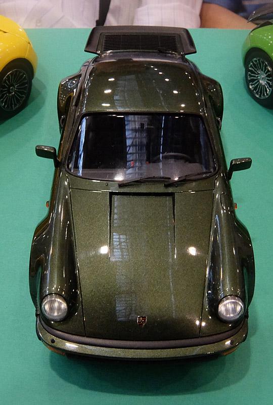 2404 ポルシェ 911 ターボ 540×800