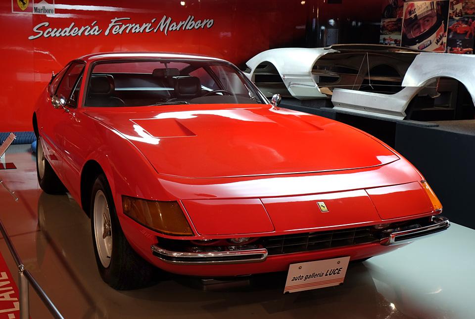 4561 フェラーリ デイトナ 960×645