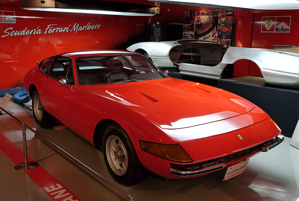 4605 フェラーリ デイトナ 960×645