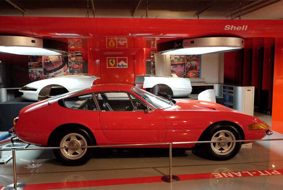 4627 フェラーリ デイトナ 960×645