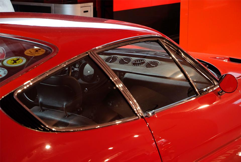 4624 フェラーリ デイトナ 960×645