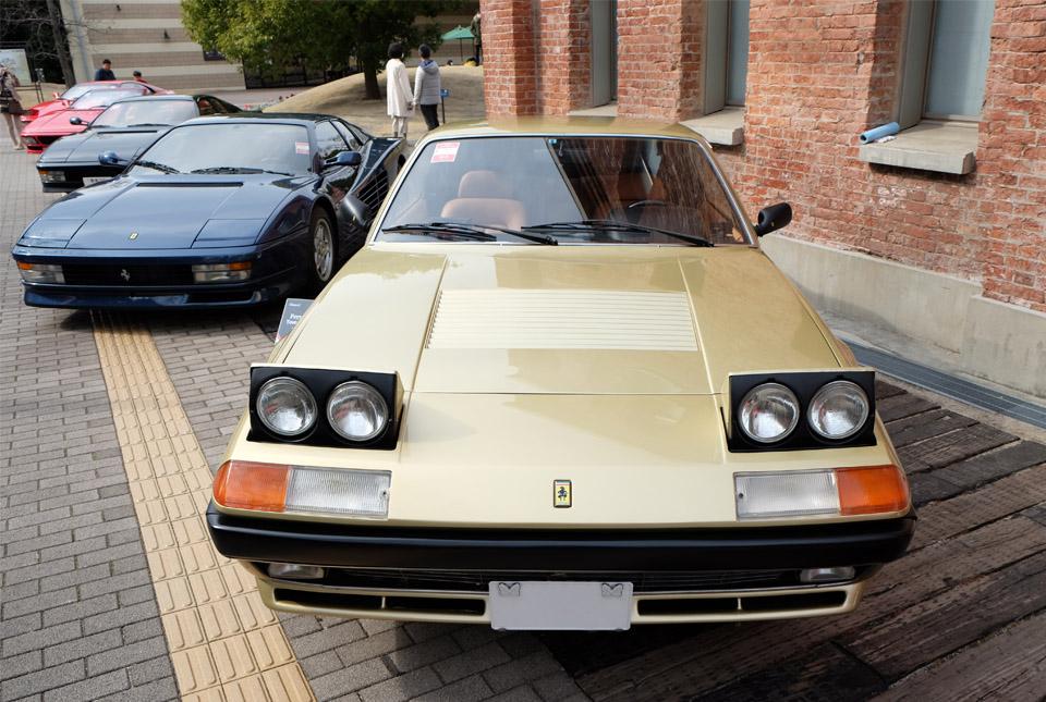 4427 フェラーリ 400i 960×645